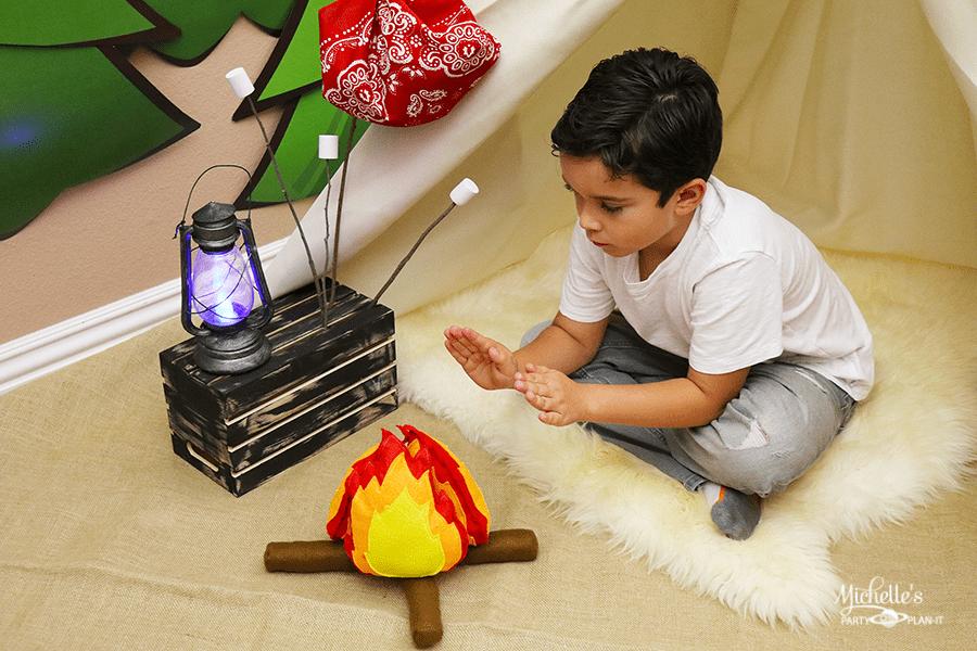 DIY Felt Campfire and Marshmallow Play Set