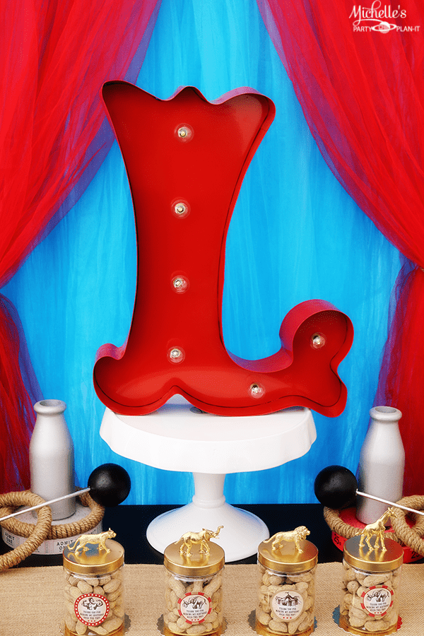Vintage Circus Party Ideas - Centerpiece