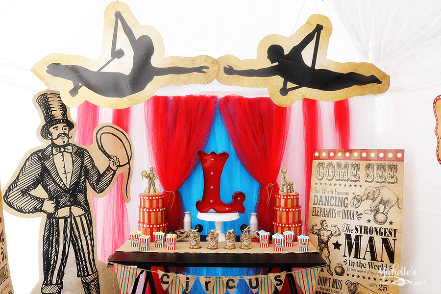 Step Right Up! Fun Vintage Circus Party Ideas