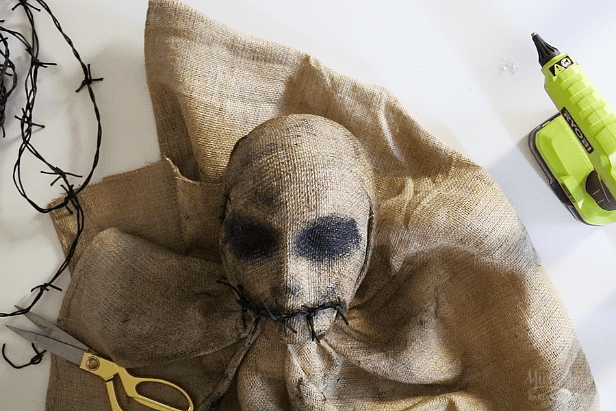 DIY Scarecrow Bust