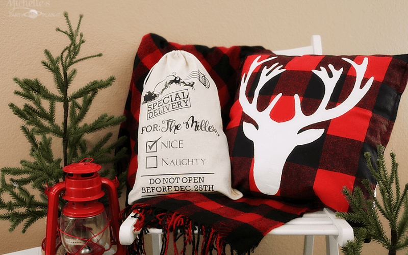 Make a Personalized Santa Sack for Neighbors with Cricut