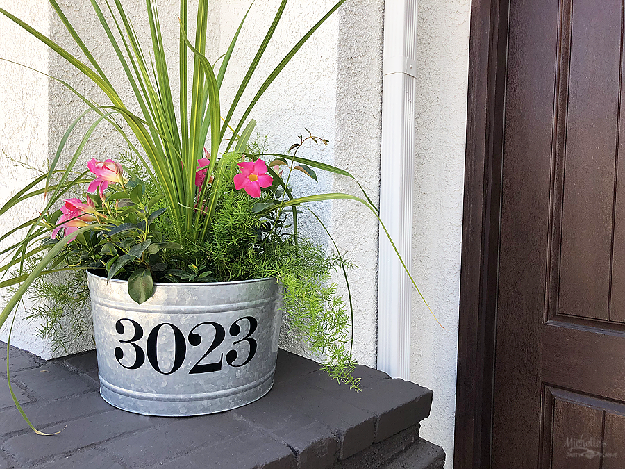 HHow to Make a DIY Address Planter with Cricut by Michelle Stewart