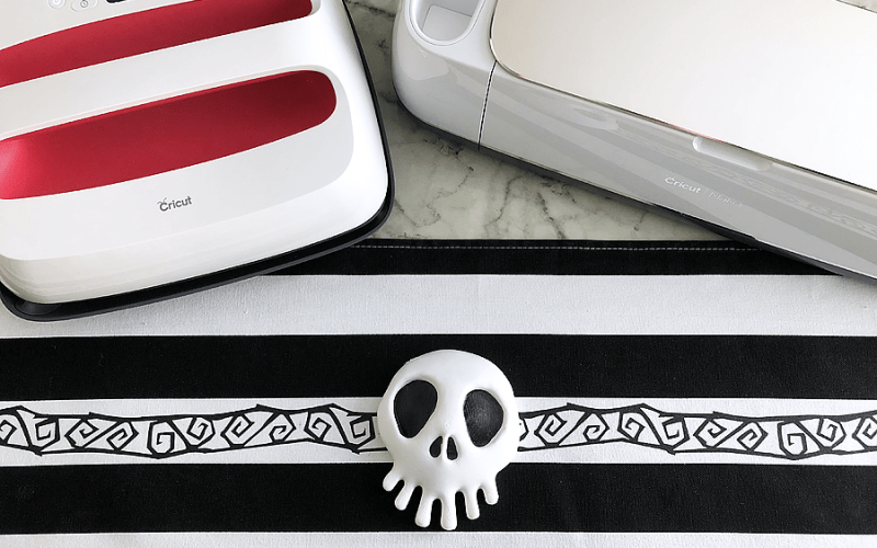 Diy nightmare before christmas table runner cricut