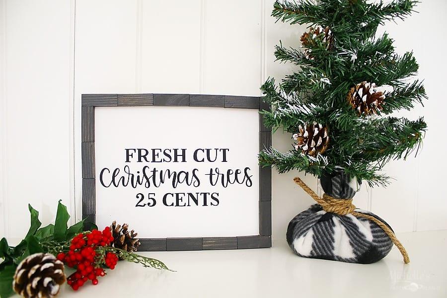 DIY Farmhouse Christmas Sign Rustic