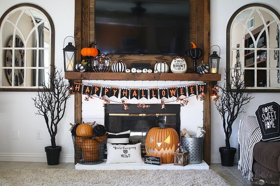 Haunted hearth halloween mantle 2