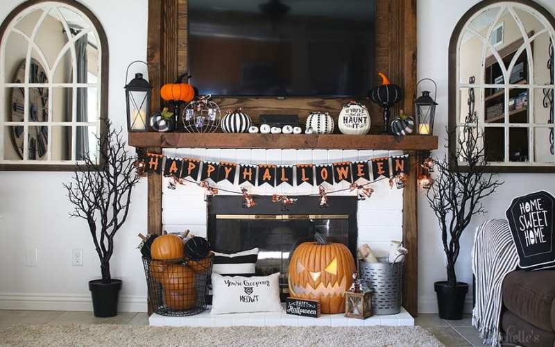 Haunted hearth halloween mantle 2