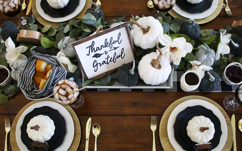 Friendsgiving ideas 21