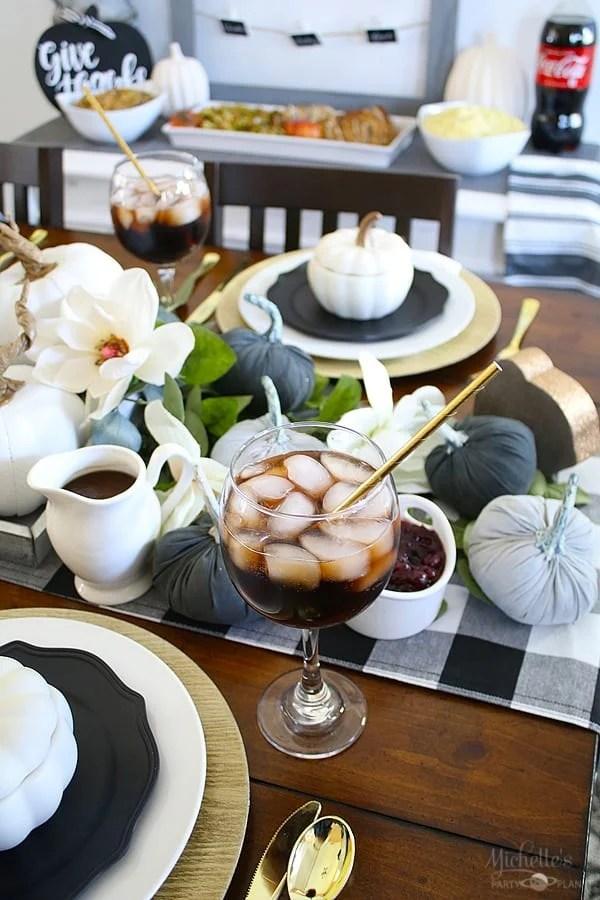 friendsgiving table
