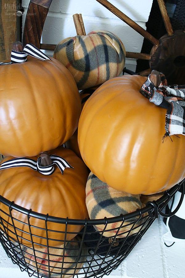 Fall thanksgiving mantle ideas - pumpkin patch