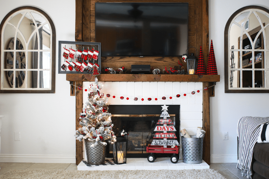 Easy Rustic Christmas Mantle Decor Ideas