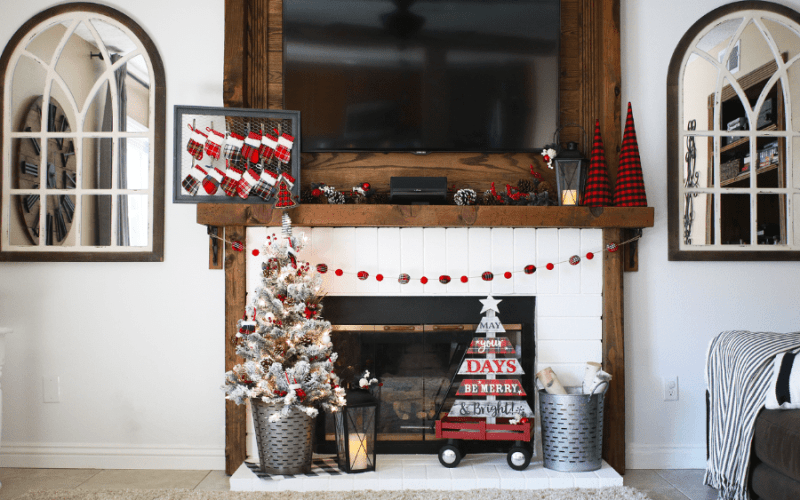 Rustic buffalo plaid christmas mantle 3