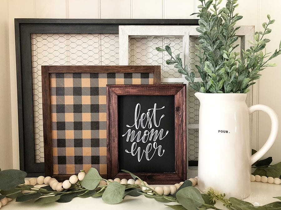 Diy farmhouse sign with decoupage