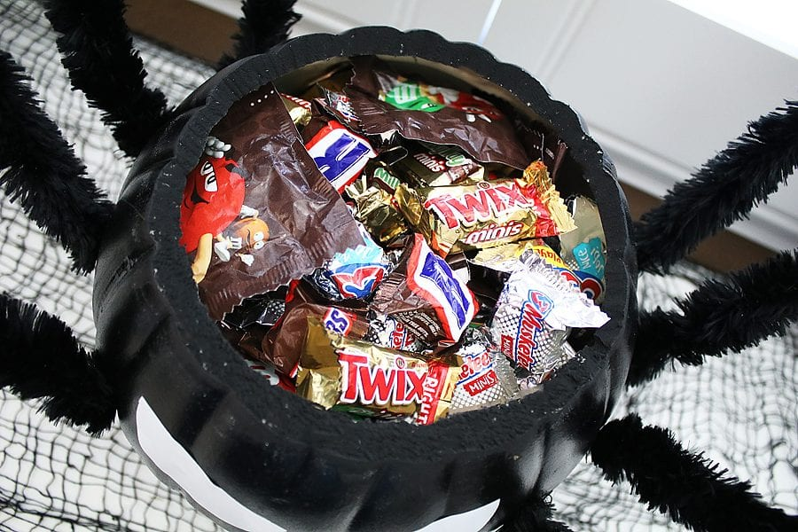 Diy spider candy bowl 14