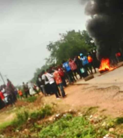 uniosun-students-protest-against-sars
