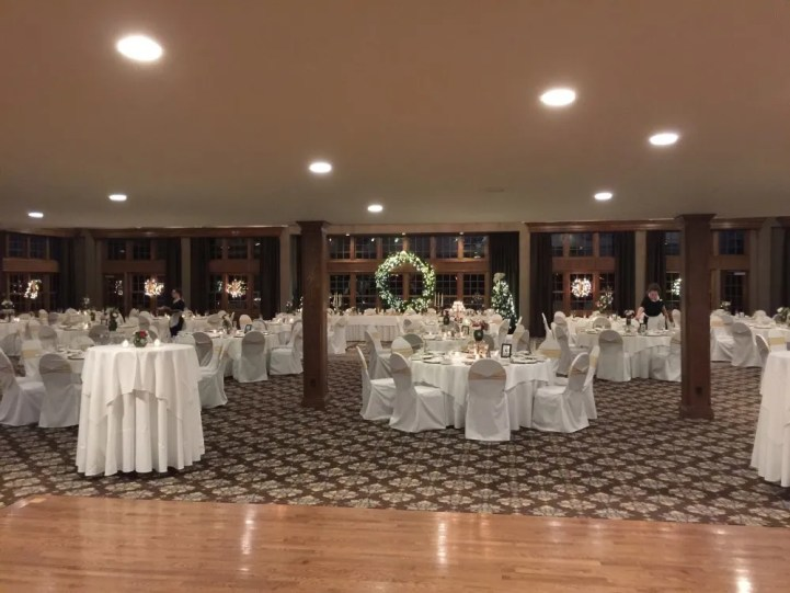 long shot of Addison Oaks Wedding Reception