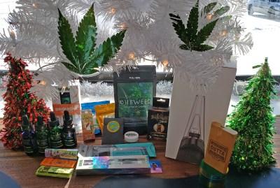 Dankmas tree presents