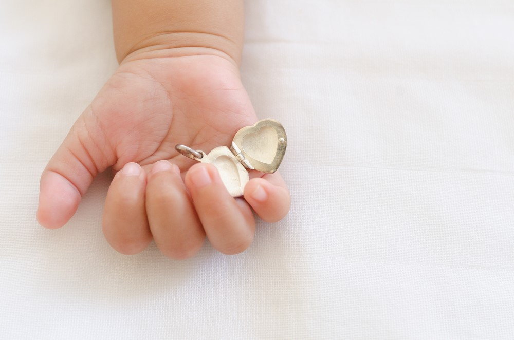 Health Risks Involved in Jewelry and Kids