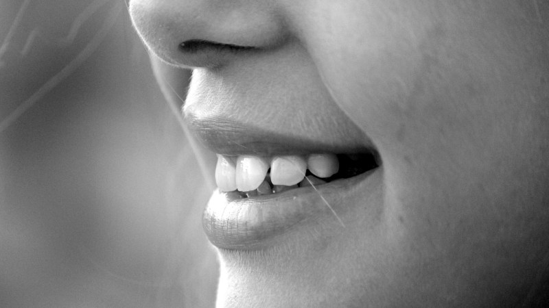 Some Obvious And Not-So-Obvious Diet Tips To Keep Your Teeth Healthy {Guest Blogger}