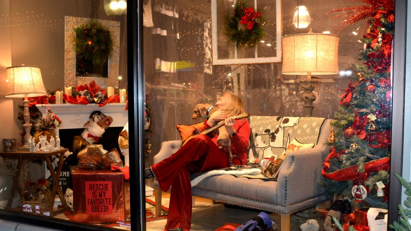Downtown Milford Rings in the Holiday Season by Giving Back, Supporting Local Businesses