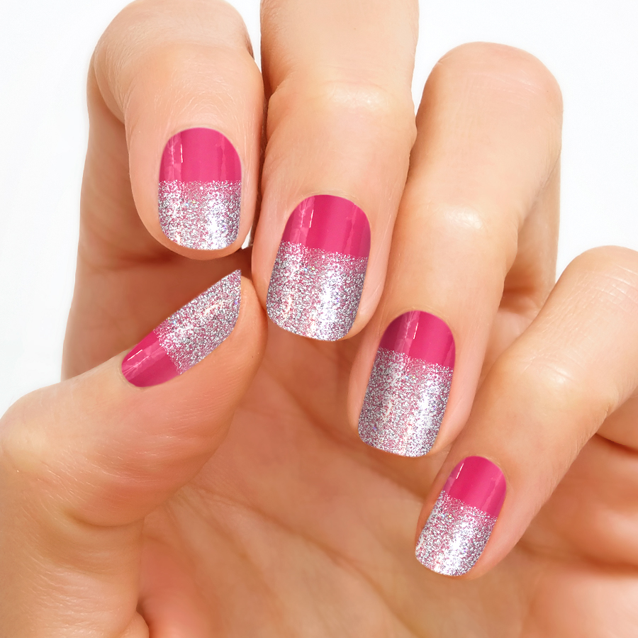 We are Falling in Love….With Valentine's Day Nail Designs by Color Street! {Review}