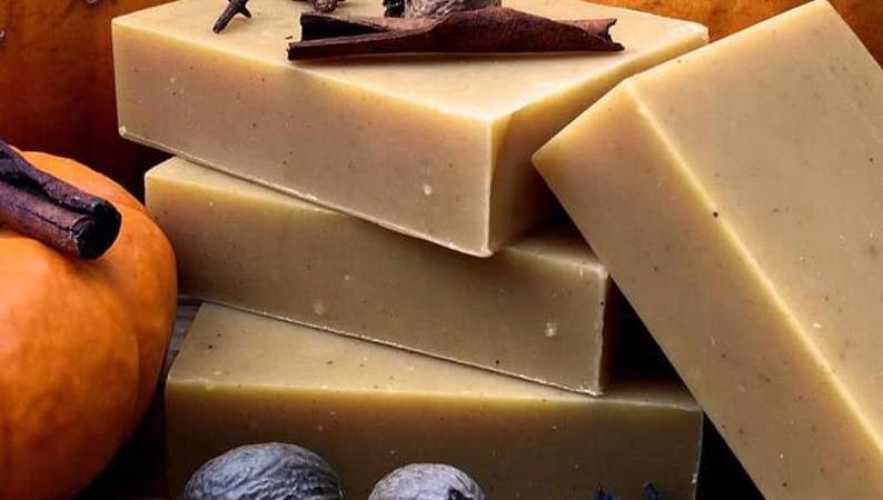 Handmade Organic Bar Soaps-Pumpkin Spice Latte & Earl Grey {Review} #RaeSoapCompany
