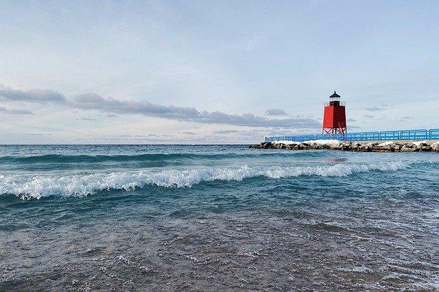 Fun Activities to Do Around Lake Michigan