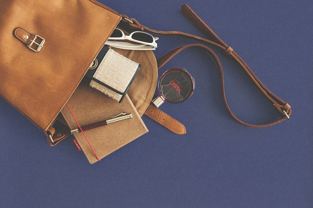 9 Materials With Which Handbags are Made