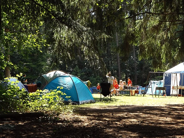 10 Amazing Benefits of Camping with Your Family