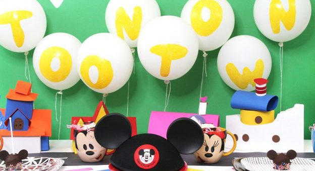 Celebrate Mickey Mouse And Minnie Mouse With A Birthday Party At Home Mickeyblog Com