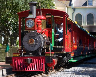 disneyland-railroad-engine