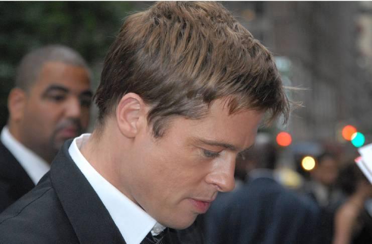 Angelina Jolie livid at Jennifer Aniston, Brad Pitt