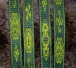 Inspiration Oseberg en technique missed-hole, laine teintée gaude et sureau+indigo