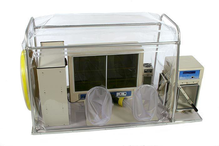 Anaerobic Chamber cultivation of aerobic and anaerobic bacteria