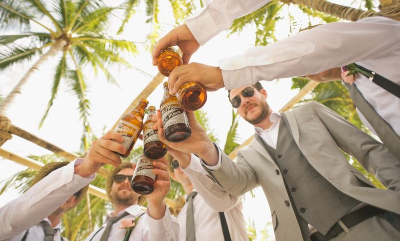 Photo of Why Beer Should Definitely Be Part of Your Wedding Bar
