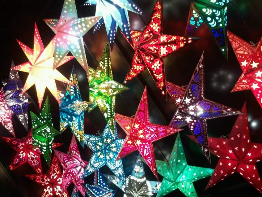 Picture of star-shaped lights.