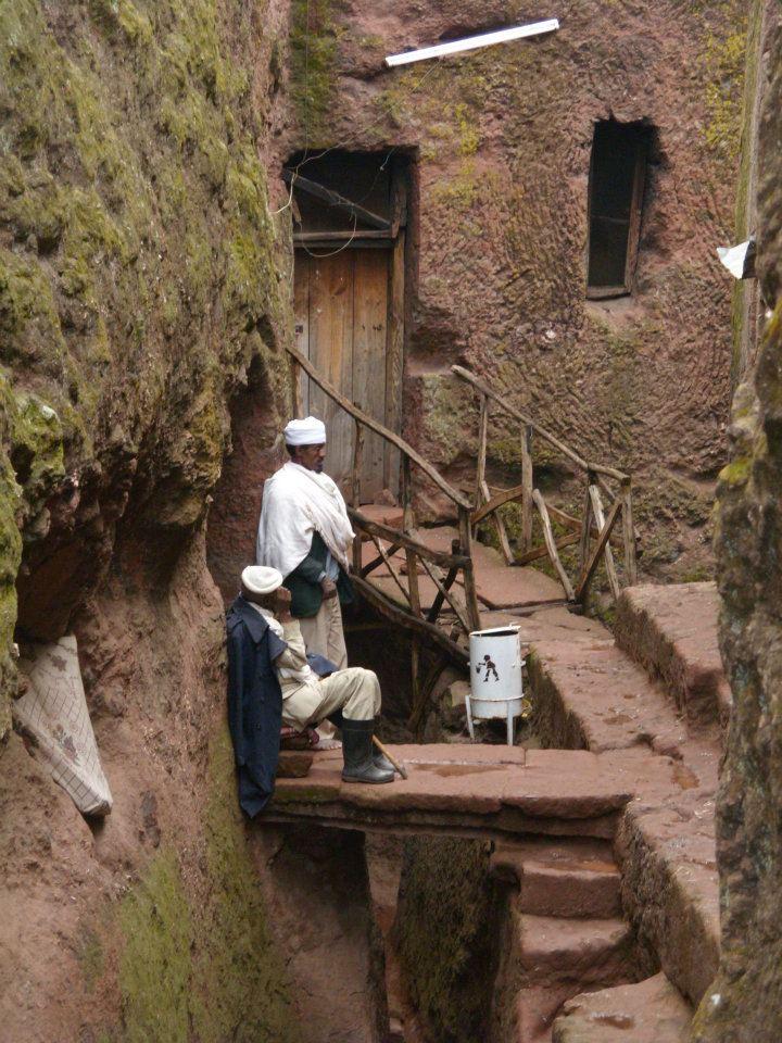 ethiopia lalibela priests