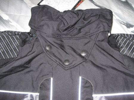 The fleece lined removable neck guard has proven to be a very welcome detail in the Northwest Weather