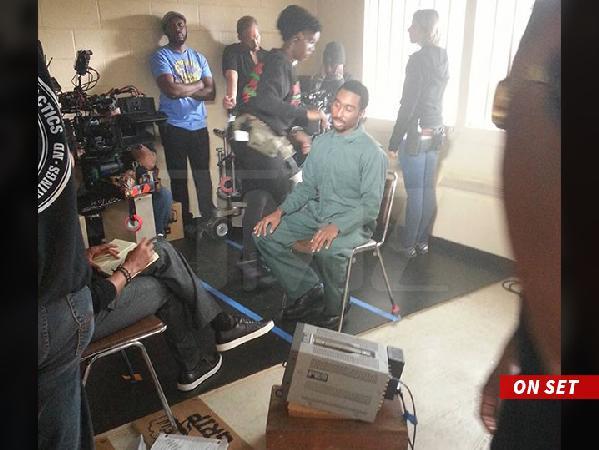 tupac-demetrius-on-set (1)