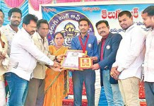 Telugu News Visakhapatnam Young Boy Appala Chari Remembered Thousands of phone numbers..