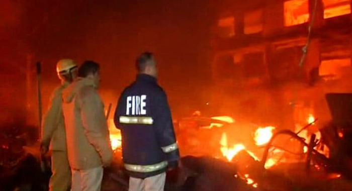 Telugu News Massive Fire At Delhi Furniture Market, Nearly 100 Shanties Destroyed