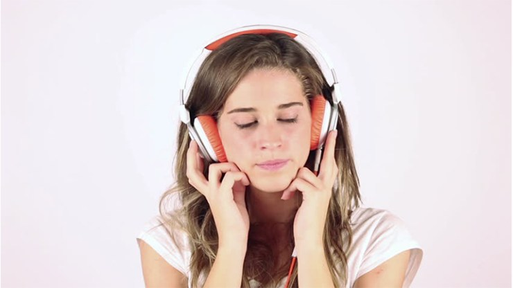 World health organization warning about headphones
