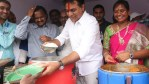 Telugu news Rs.5 meals for sircilla.. Former minister KTR launched a meal scheme in Akshaya Patra on Friday.