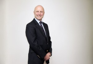 Professor Robert Scott Medical Director Moorfields Dubai (PRNewsFoto/Moorfields Eye Hospital)