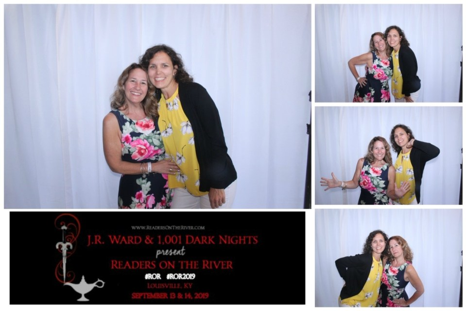 JR Ward's Readers on the River photobooth