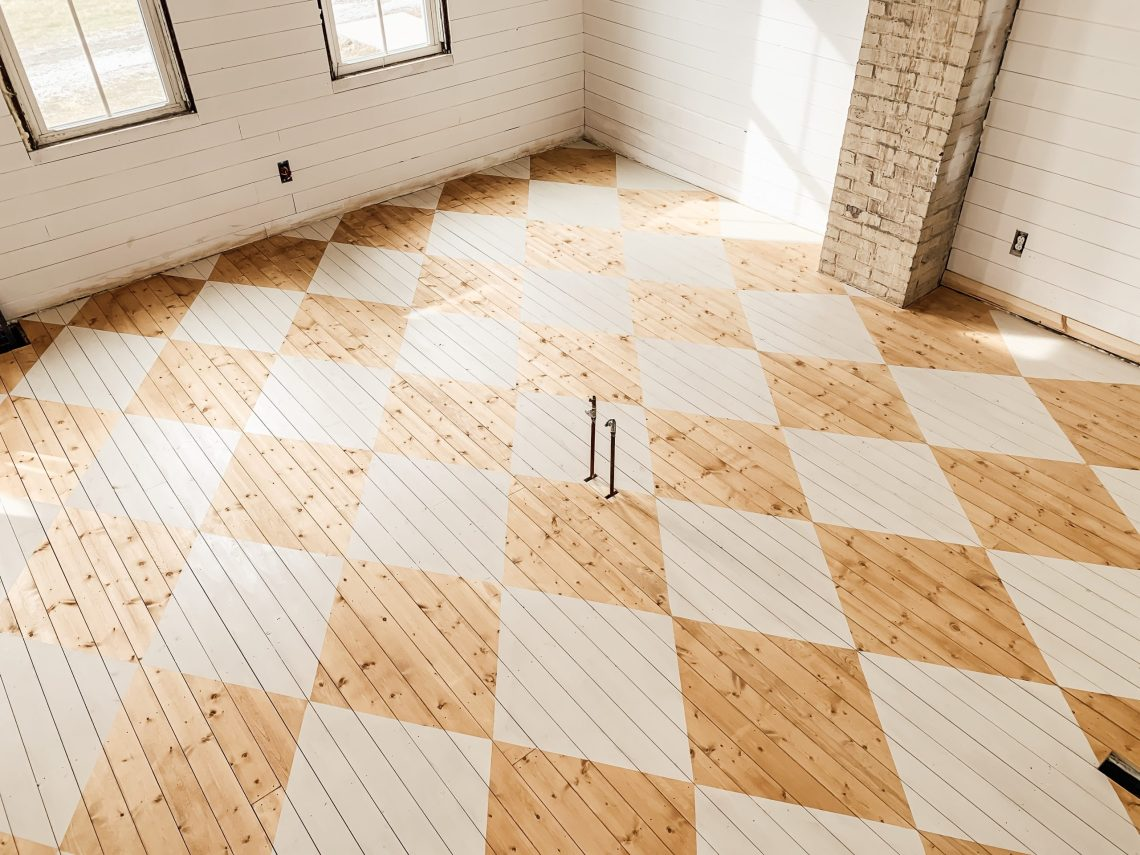 How to Paint a Harlequin Floor Pattern