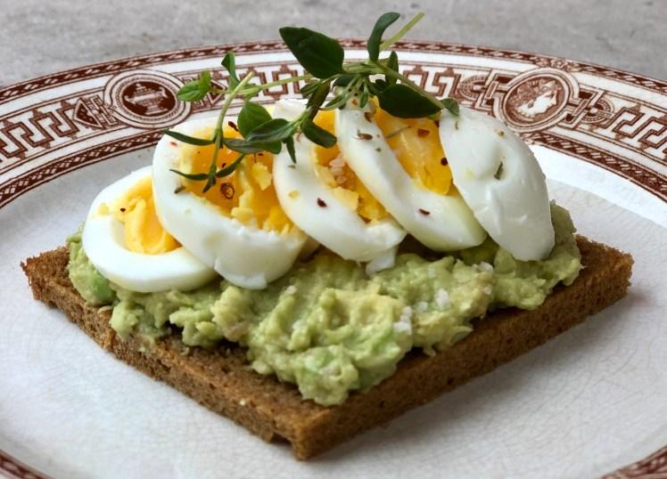 Avokado macka smörgås ägg nyttigt