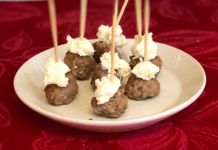 Italienska köttbullar parmesancrème parmesan recept advent mingel snittar med köttbullar