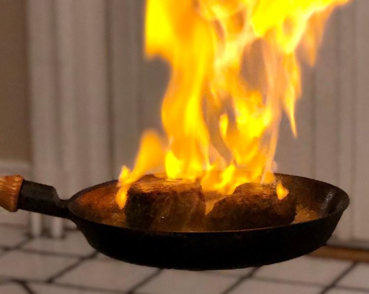 Flamberad oxfilé med dragon sås recept