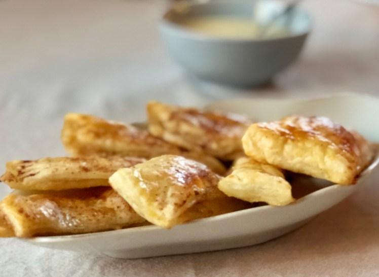 Små enkla äppelpajer äppelpiroger recept