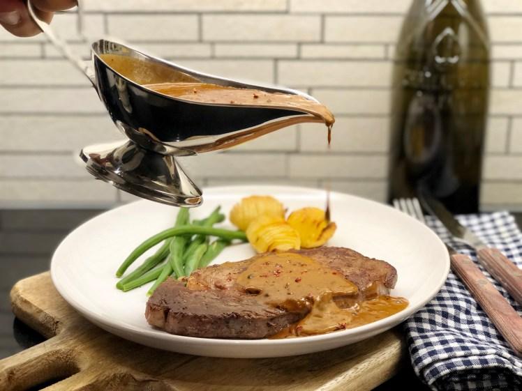 Sås till kött pepparsås entrecôte oxfilé biff rosépeppar svartpeppar grönpeppar